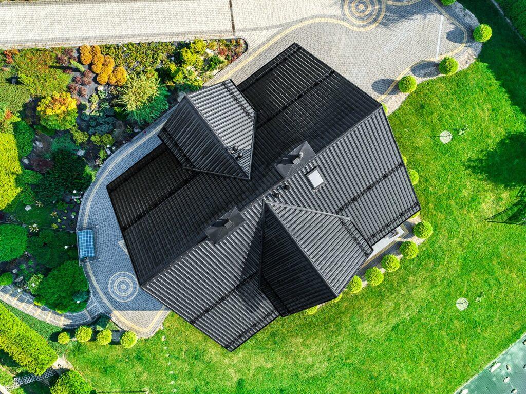 metāla jumtu segumi